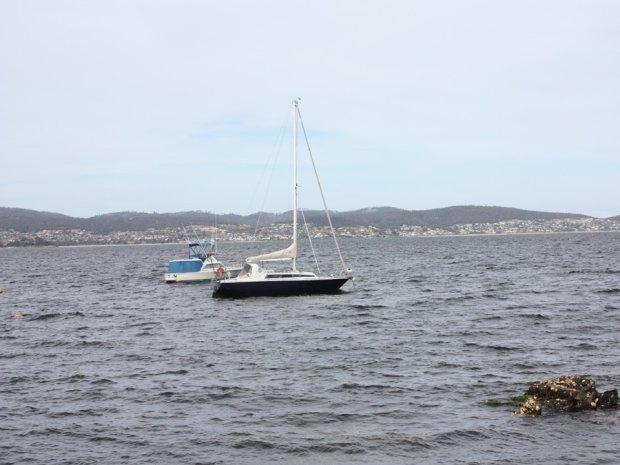 Яхта с принцем ушла на дно: число жертв неустанно растет, десятки пропавших без вести