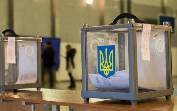 Подозрительные бюллетени и агитация: как проходят местные выборы