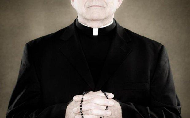 Російському священику привидівся величезний фалос посеред вулиці