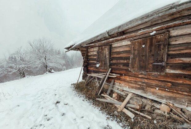 Михайло Дідишин відреставрував хату, в якій вбили Довбуша