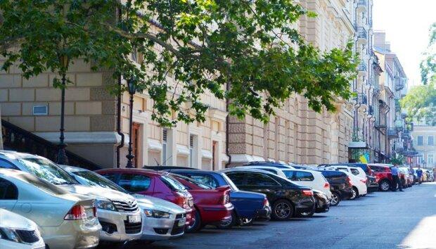 """""""Даєш парковку"""": львів'яни вимагають від Садового вирішити наболілу проблему"""