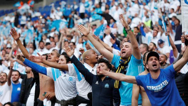 Фани Марселя закидали камінням футболістів Лаціо: відео
