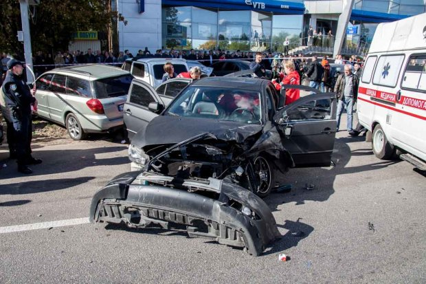 В центре Киева массовое ДТП: движение по главным улицам затруднено