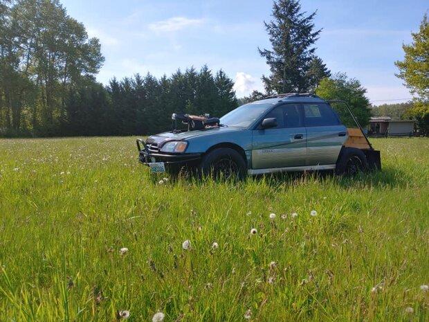Subaru Outback, Facebook