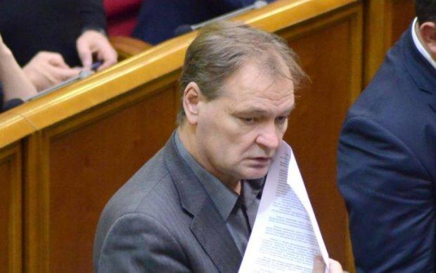 Олександр Пономарьов: палений бензин, страшна ДТП, смерть воїна АТО - все про скандального нардепа