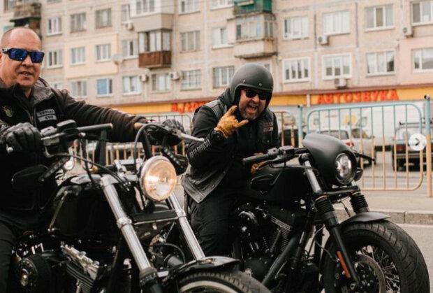 Олександр Пікалов з Кварталу 95 відкрив мотосезон у Києві: про такий байк мріє кожен чоловік