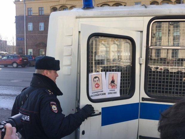 Любовный треугольник пенсионеров-геев в России закончился жуткой трагедией