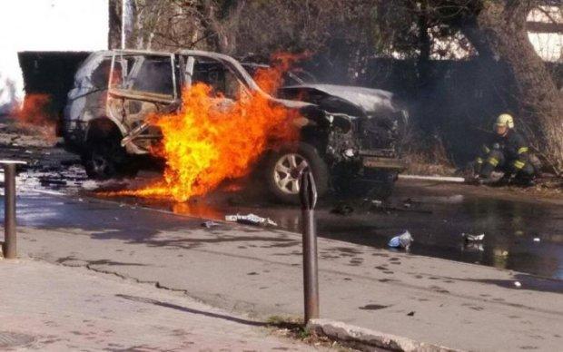 На Донбассе подорвали автомобиль СБУ: есть жертвы