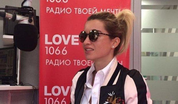 Бородина рассказала о желаниях в соблазнительном платье (фото)