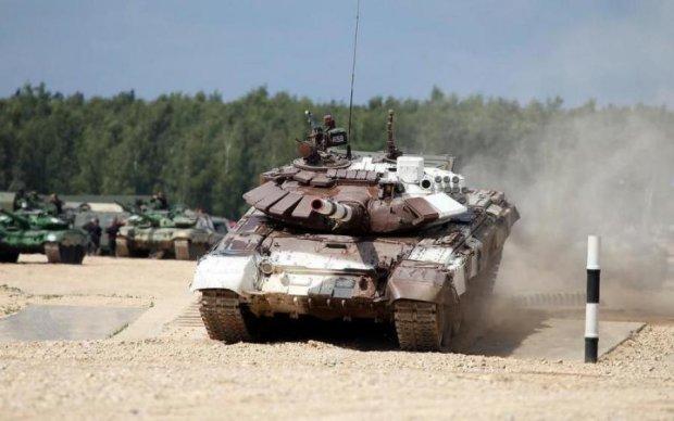 К дворцу президента подошли танки: ему дали 24 часа покинуть страну