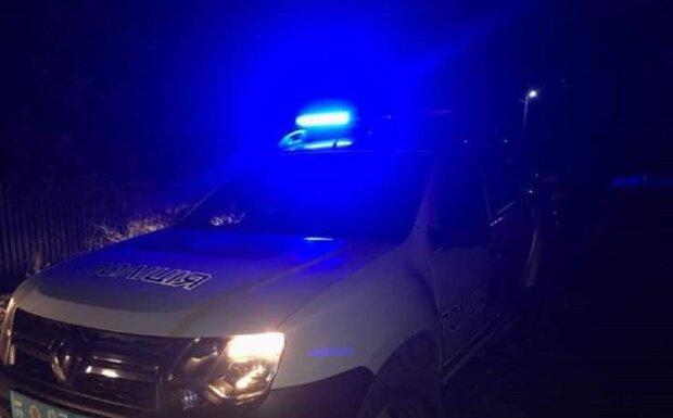 Автомобіль поліції: Facebook поліція Івано-Франківської області