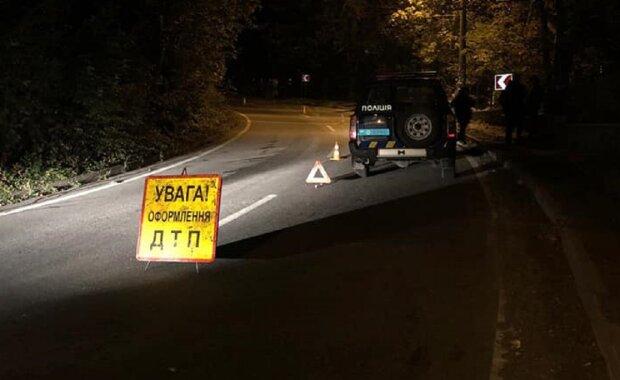 На Прикарпатье машина на бешеной скорости слетела в обрыв, двое мертвых и трое искалеченных