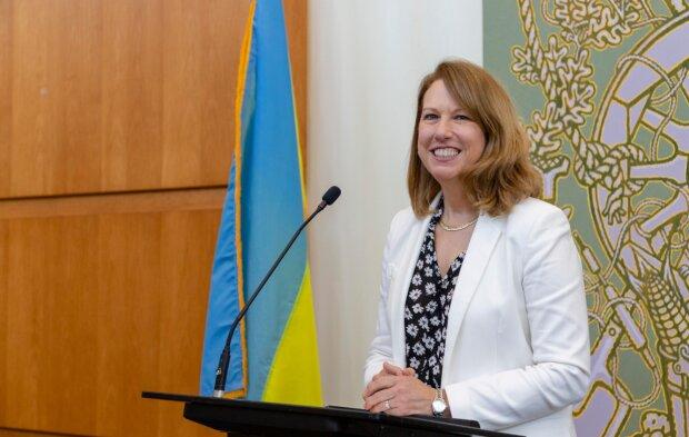 Кристина Квин, скриншот с видео