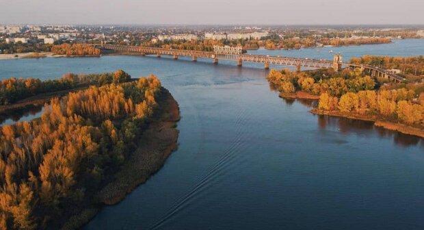 Українські річки забруднені ліками від коронавірусу: визнання Кабміну