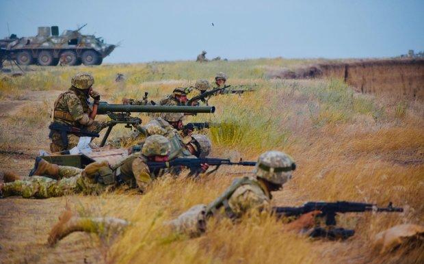 Стрельба в Бердянске: военные попытались успокоить украинцев, но не получилось