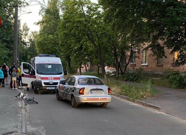 В Киеве ребенок на велосипеде попал под колеса автомобиля Triolan - выскочил на дорогу