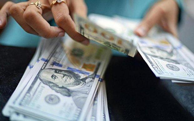 Курс валют на 27 липня: долар і євро різко змужніли