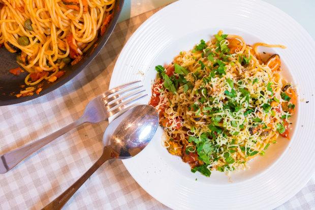 Швидко і смачно: пікантні спагетті з петрушкою