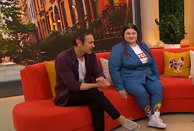 Святослав Вакарчук и Alyona Alyona кадр из эфира Сніданок з 1+1: YouTube