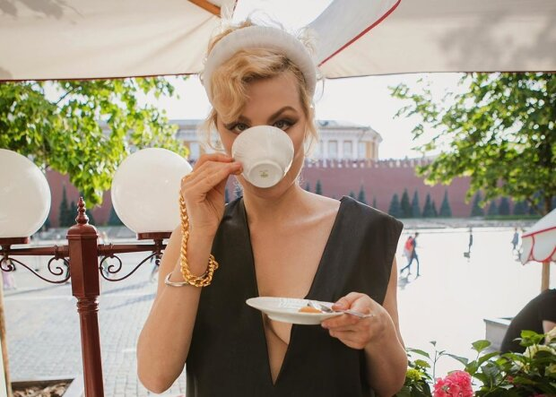 Богемная Рената Литвинова перевоплотилась в женскую версию Джокера