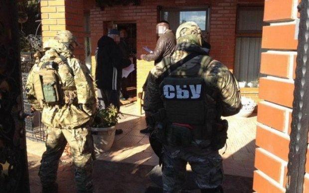 В Україні прикрили найбільший конвертаційний центр