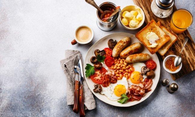 Чем питаться в путешествии: 5 простых завтраков, которые с легкостью можно приготовить на кухне хостела