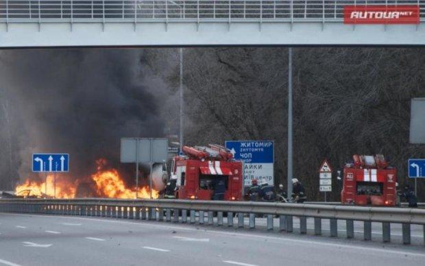Дика ДТП на Житомирщині: траса перетворилась на пекло із вогню та крові