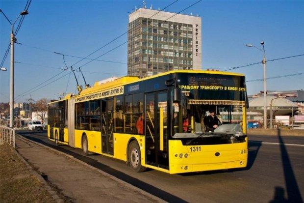 В Киеве временно закроют три маршрута троллейбусов