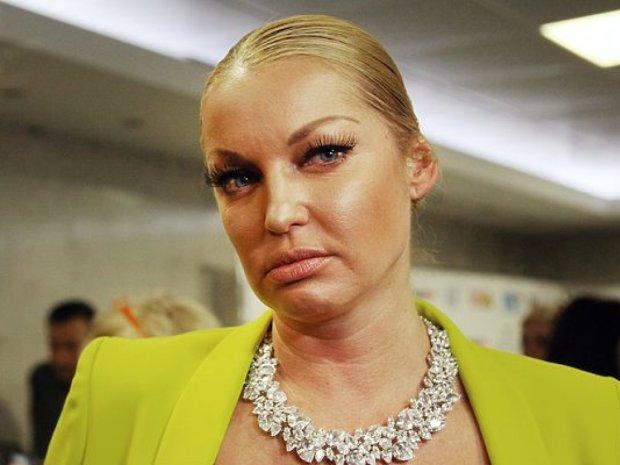 Волочкова сделала себе выходной без трусов и лифчика, слабонервным не смотреть
