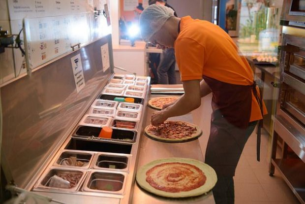Одесского пиццайоло взяли в рабство: вкалывал на кухне за еду