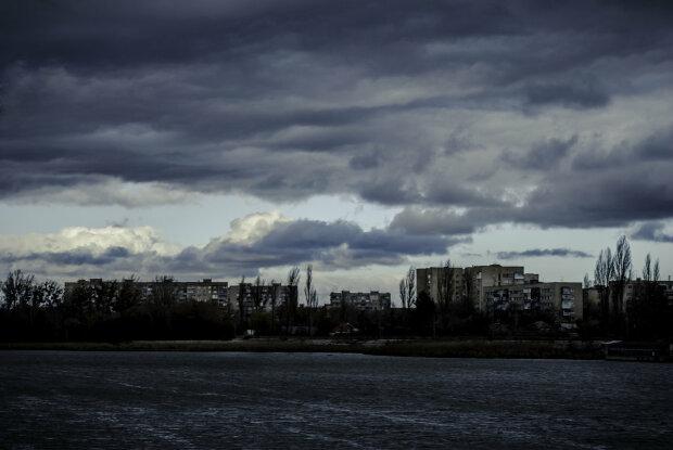 Вінничани, пірнайте в куртки: синоптики спантеличили похмурим прогнозом на 21 жовтня
