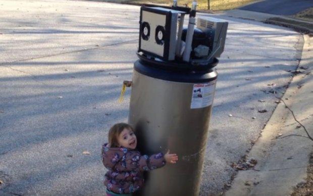 Любовь малыша к роботам покорила сеть