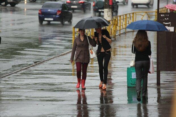 Погода у Харкові на 17 серпня: осінь готує рейдерське захоплення, діставайте куртки та парасольки