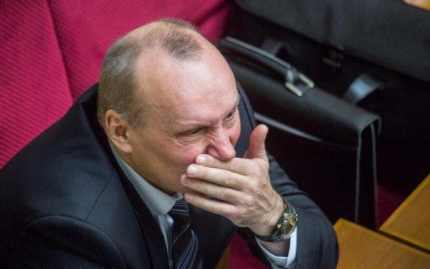 Луценко позбавив соратника Януковича найважливішого
