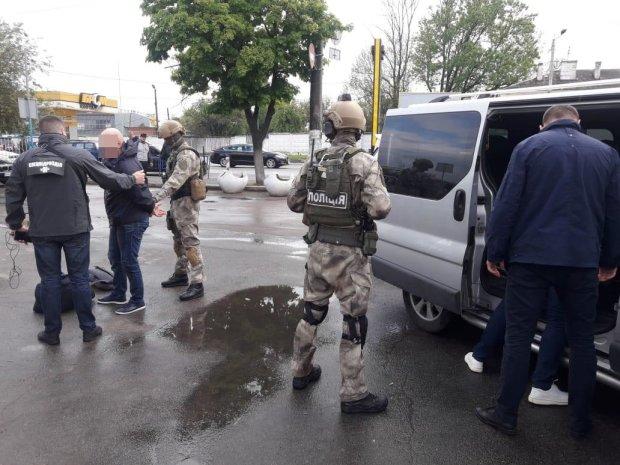 У Києві схопили банду ескобарів: годували наркотиками пів світу, масштаби ділків вражають