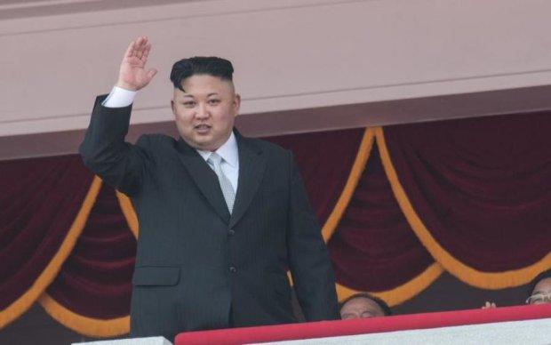 Бешеный Ким запустил неизвестную ракету