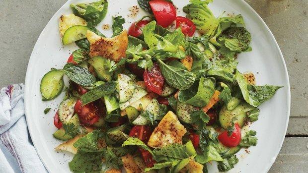 Салат фаттуш: швидкий і корисний рецепт