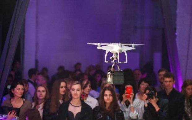 Будущее наступило: дроны вытеснили моделей с киевского подиума