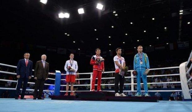 Український боксер не повернувся в бік російського прапора