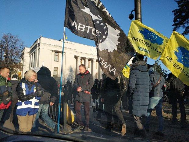 """Безстрокова акція непокори, мільйони водіїв готові: """"євробляхи"""" заблокують основні дороги України, повна карта мітингу"""