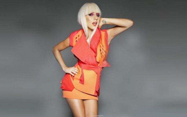 Оголена Леді Гага привітала Наомі Кемпбелл