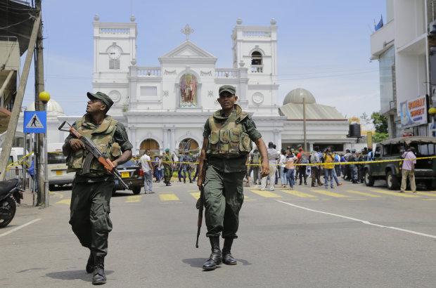 На Шрі-Ланці прогриміли три нові вибухи