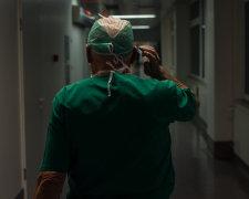 Головний лікар пригрозив каструвати журналістів