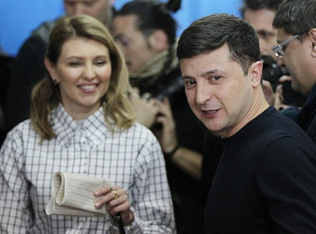 Дебати чи не дебати: дружина Зеленського вирішила замість слуги народу
