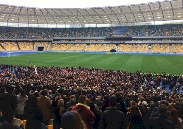 """""""Путін - ху*ло"""": у Дніпрі футбольні фанати нагадали нетлінний хіт, підключилася вся Україна, - відео"""
