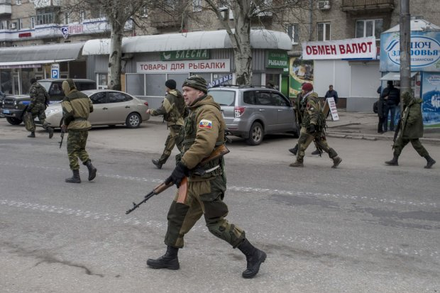 У Донецьку різке загострення: жорсткий бій потрапив на відео
