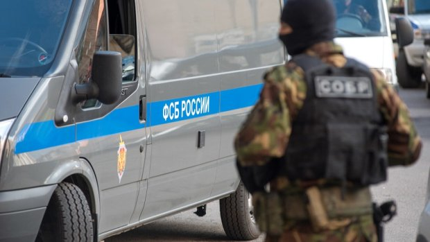 """""""Тук-тук. Кто там?"""": путинские спецслужбы открыли охоту на крымских активистов, врываются и гребут всех без разбору"""