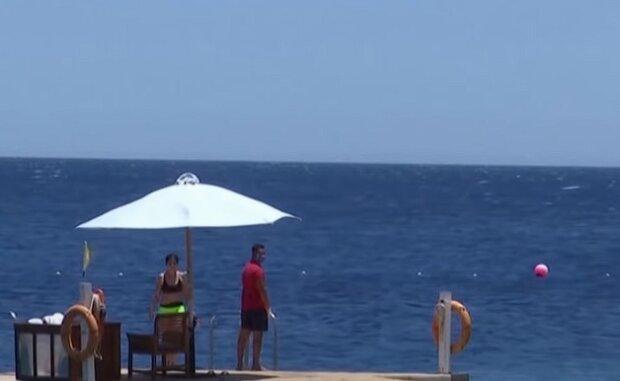 Напад акули, скріншот: Youtube