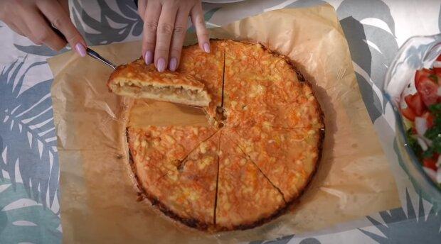 Приготування цибулевого пирога, скріншот: Youtube