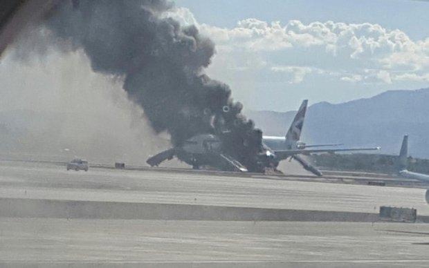 Во Франции сгорел пассажирский самолет: есть жертвы